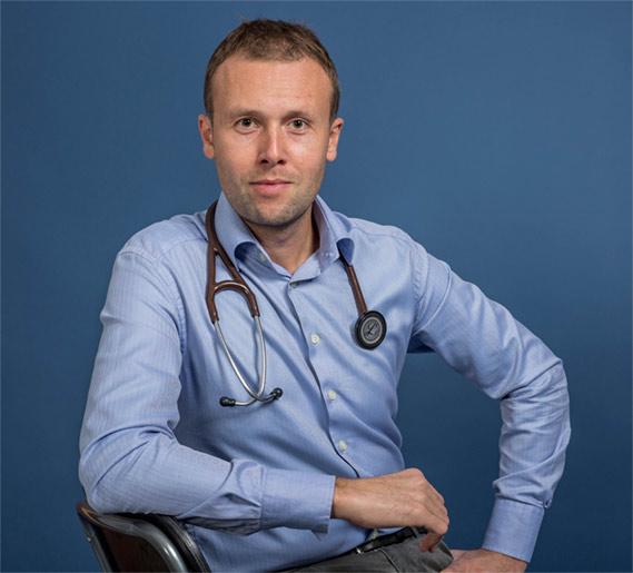 Dr Radu Pretorian